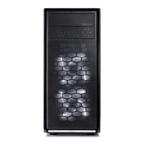 Fractal Focus G negra con ventana – Caja